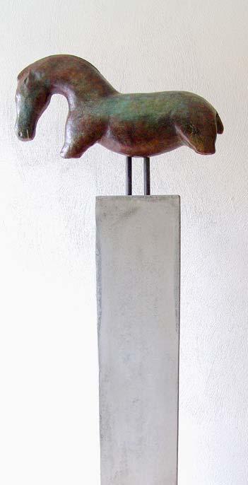 vogelherdpferd_sockel_beton